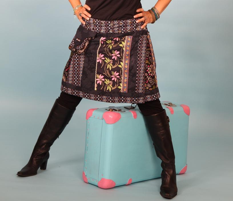 MOSHIKI knielange 45cm Röcke